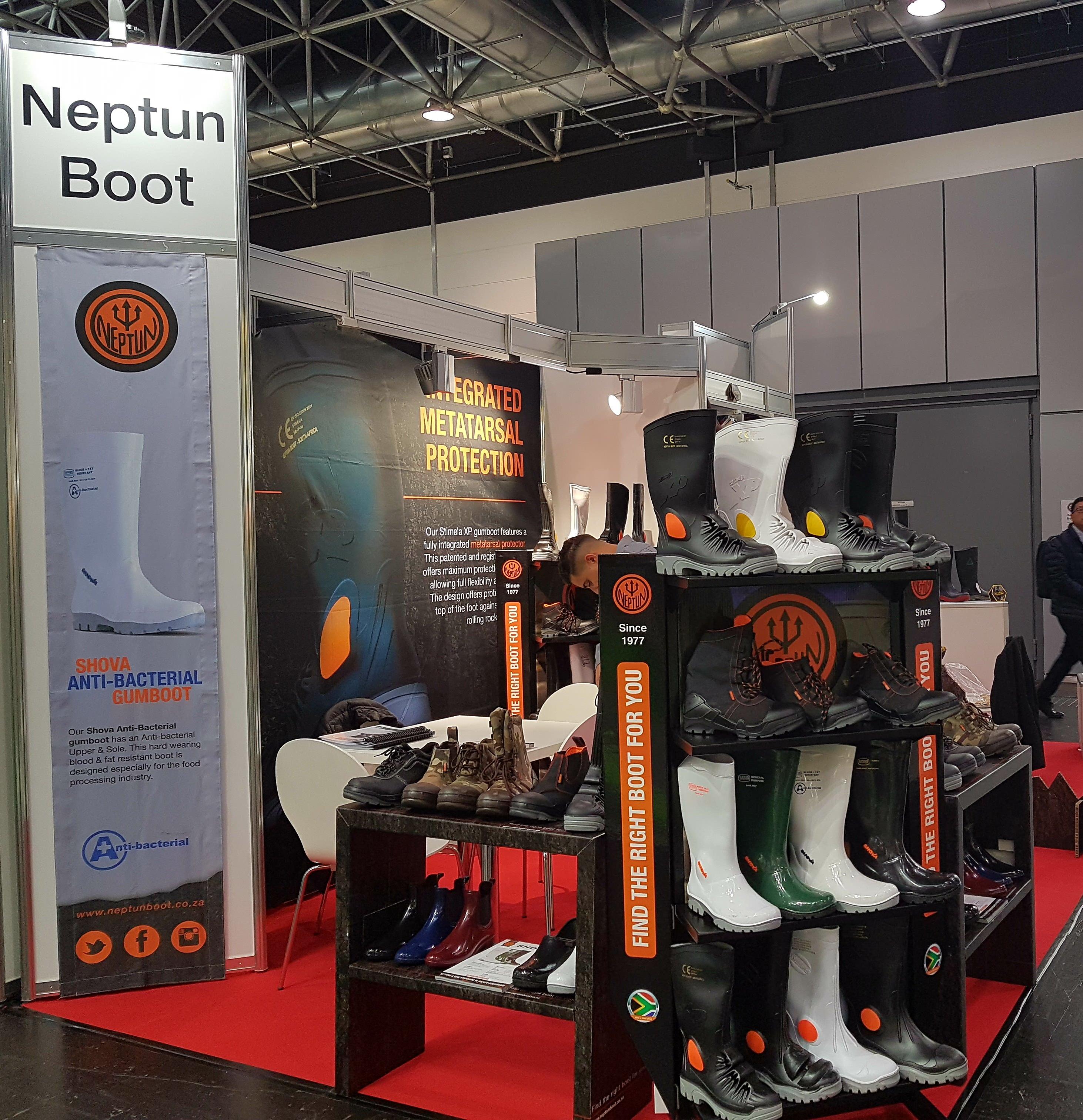 Neptune Boot stand