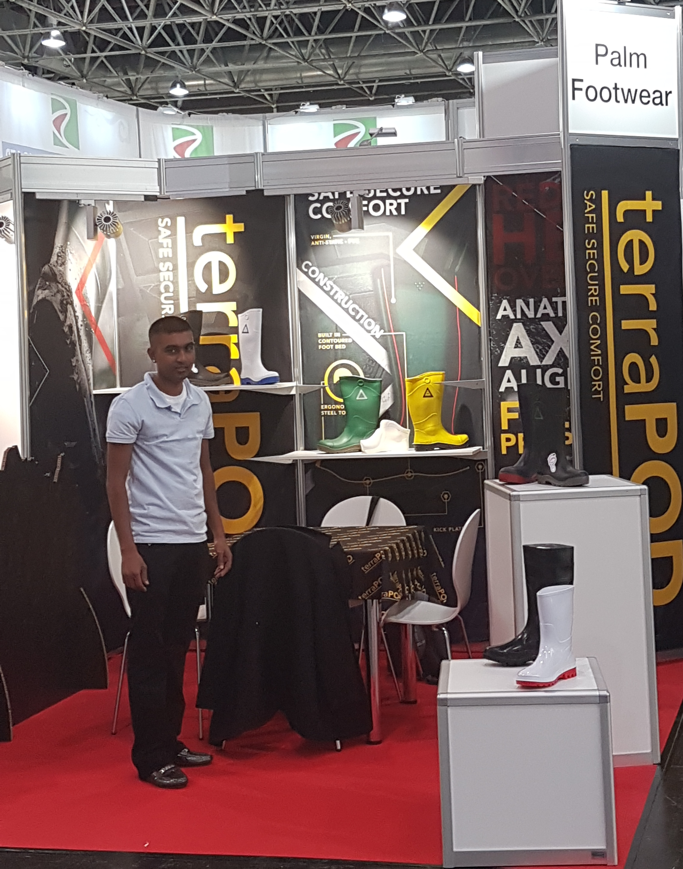 Palm Footwear stand